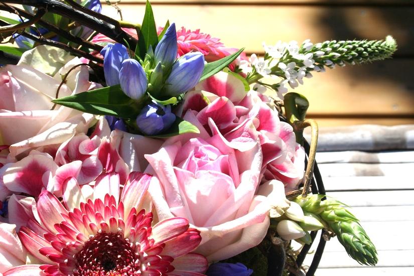 photo d'un nid floral tons tendres